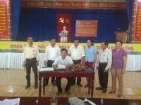 """Quế Châu: Ký kết chương trình phối hợp thực hiện cuộc vận động """"Toàn dân đoàn kết xây dựng nông thôn mới, đô thị văn minh"""""""