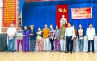 UBMT huyện Quế Sơn: Trao tặng 900 suất quà cho hộ nghèo do Công ty PVI tài trợ